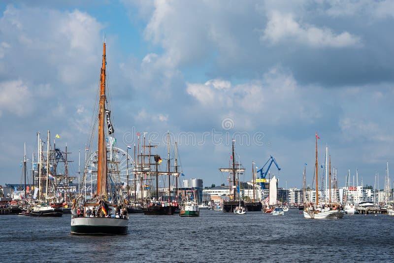 Windjammer op het Hanse-Zeil in Rostock, Duitsland royalty-vrije stock foto