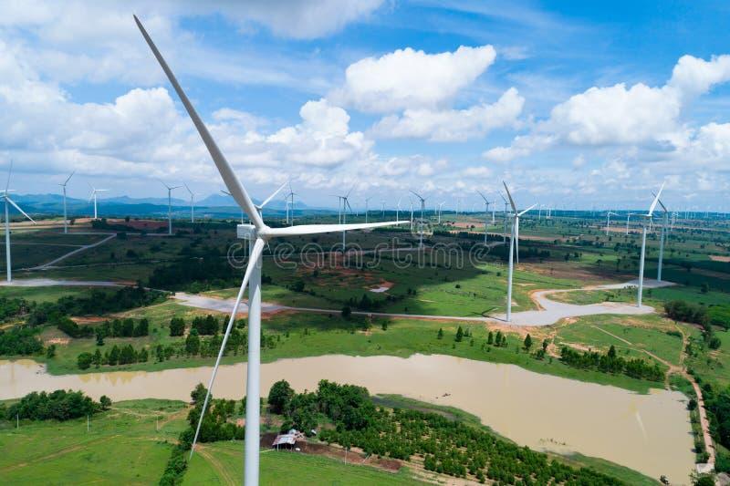 Windkraftanlage von der Vogelperspektive lizenzfreies stockbild