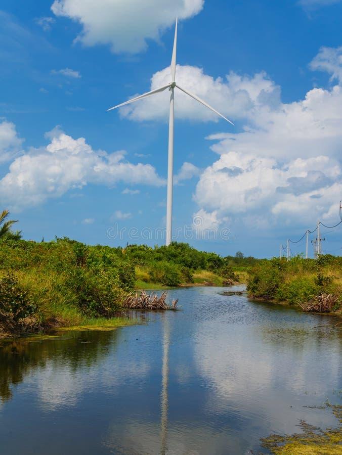 Windkraftanlagen in einem Windpark für Ökostromgeneration lizenzfreies stockfoto