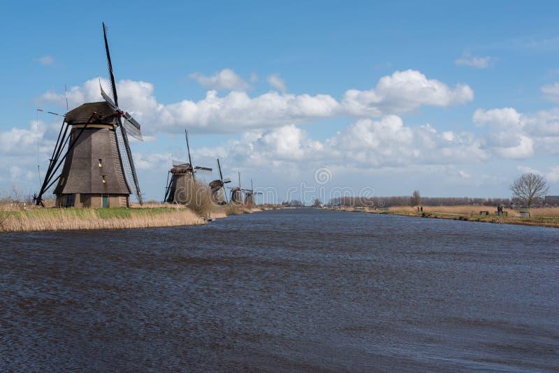 Windmühlen in Kinderdijk nahe Rotterdam die Niederlande lizenzfreie stockfotos