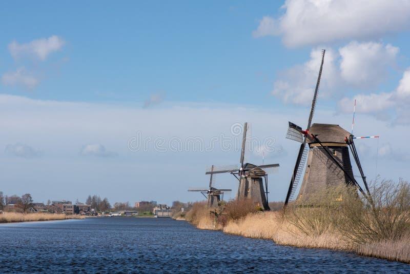 Windmühlen in Kinderdijk nahe Rotterdam die Niederlande lizenzfreie stockfotografie