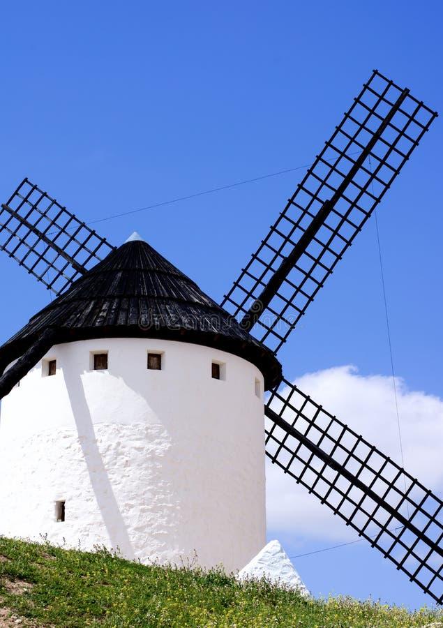 Windmühle Cueva-Silo in Campo de Criptana stockfotografie