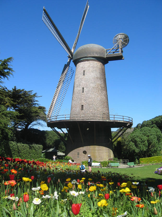 Windmühle in Golden Gate Park lizenzfreie stockfotos