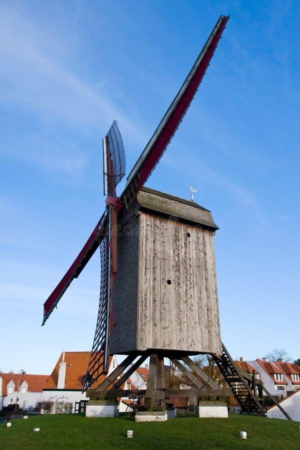Windmühle, Knokke, Belgien stockbild