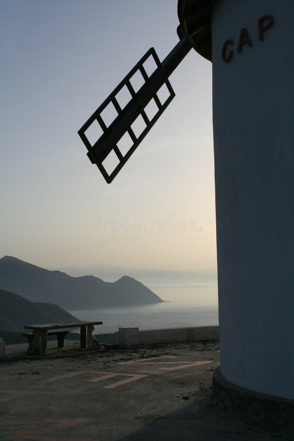 Windmühle in Korsika stockfoto