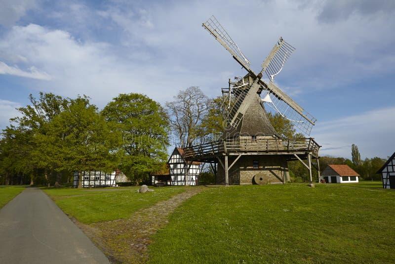 Windmühle Levern (Stemwede, Deutschland) lizenzfreie stockfotos