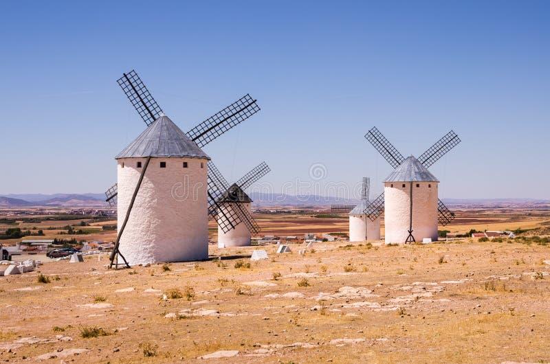Windmühlen bei Campo de Criptana, Spanien stockbilder