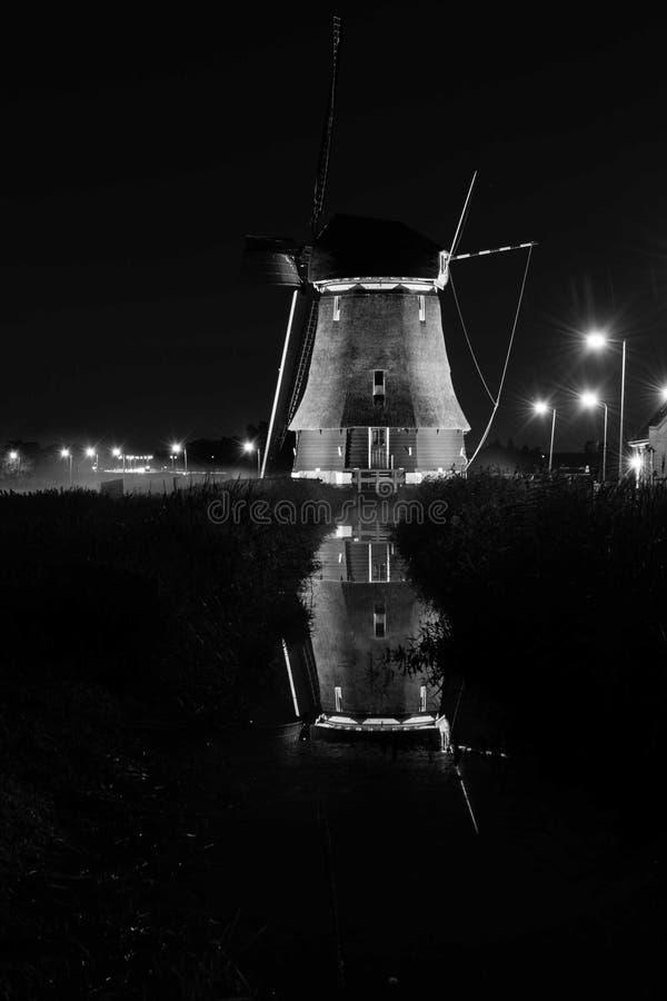 Windmil de Volendam imagenes de archivo