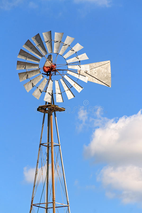 Free Windmill And Sky Stock Photos - 32538003