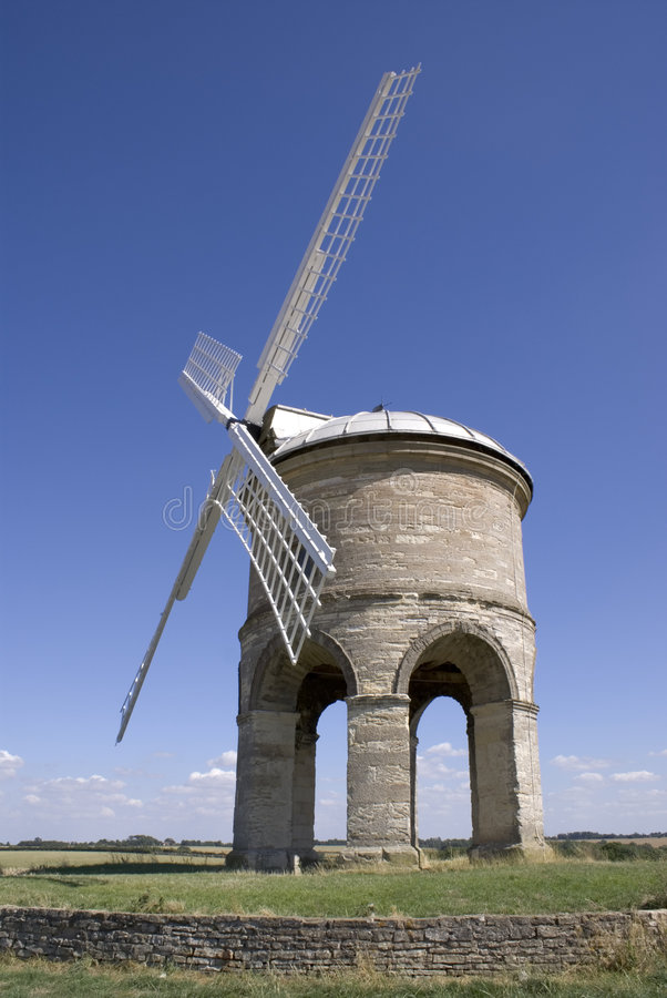 Download Windmill On Hill Chesterton Warwickshire England Stock Image - Image: 1329685