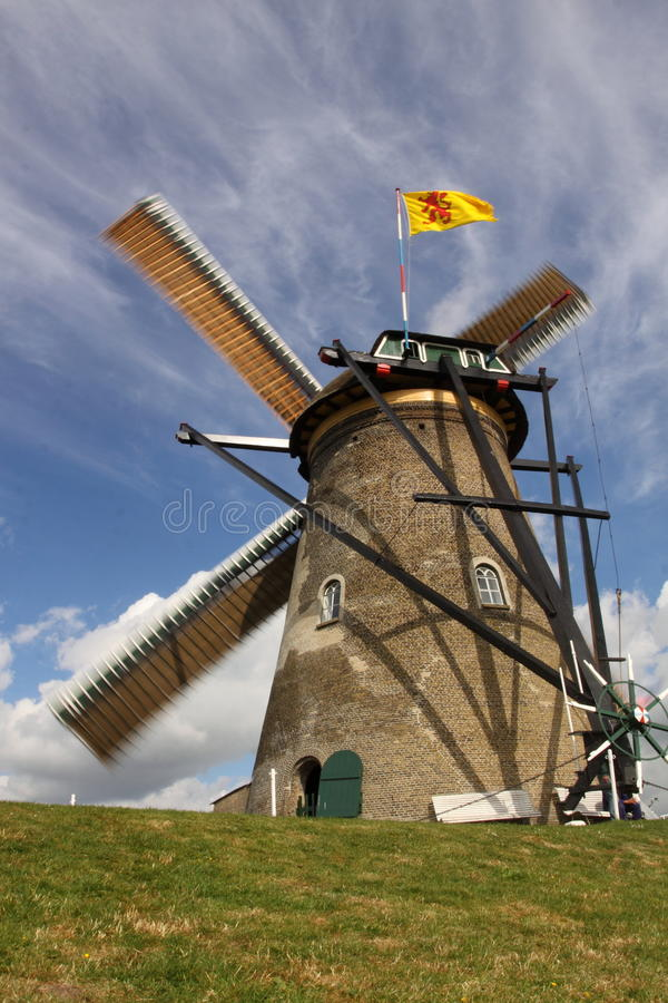Free Windmill In Kinderdijk Royalty Free Stock Photography - 19528517