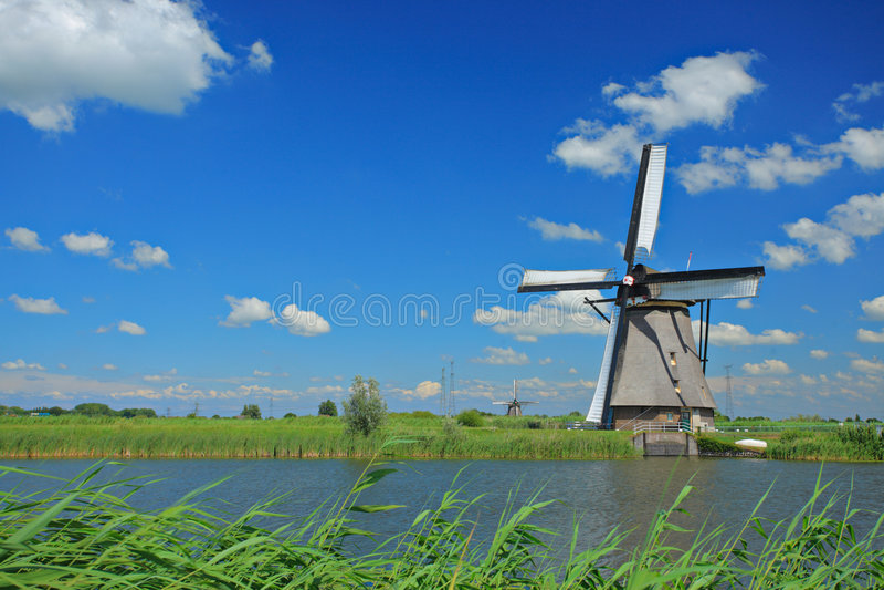 Windmill in Kinderdijk, Holland royalty free stock photos