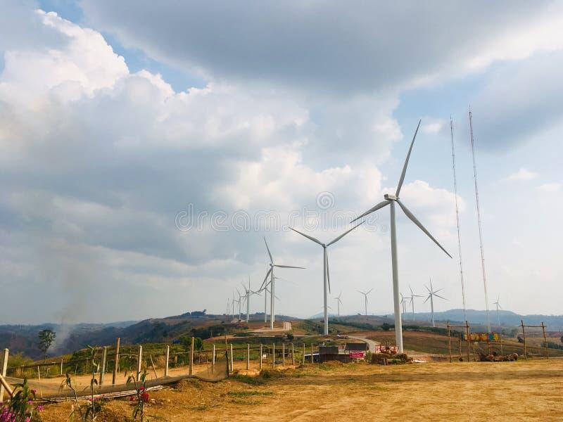 Windmillenfarm in Khao Kho, Phetchabun, Thailand lizenzfreies stockfoto