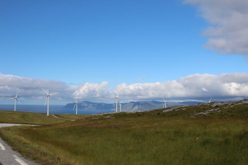Windmillpark em Måløy, Noruega imagens de stock