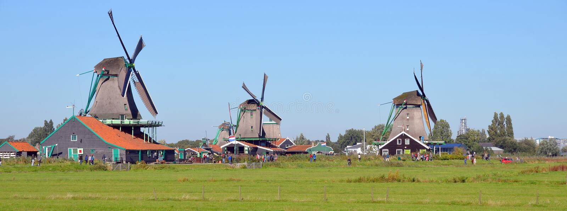 windmills images libres de droits