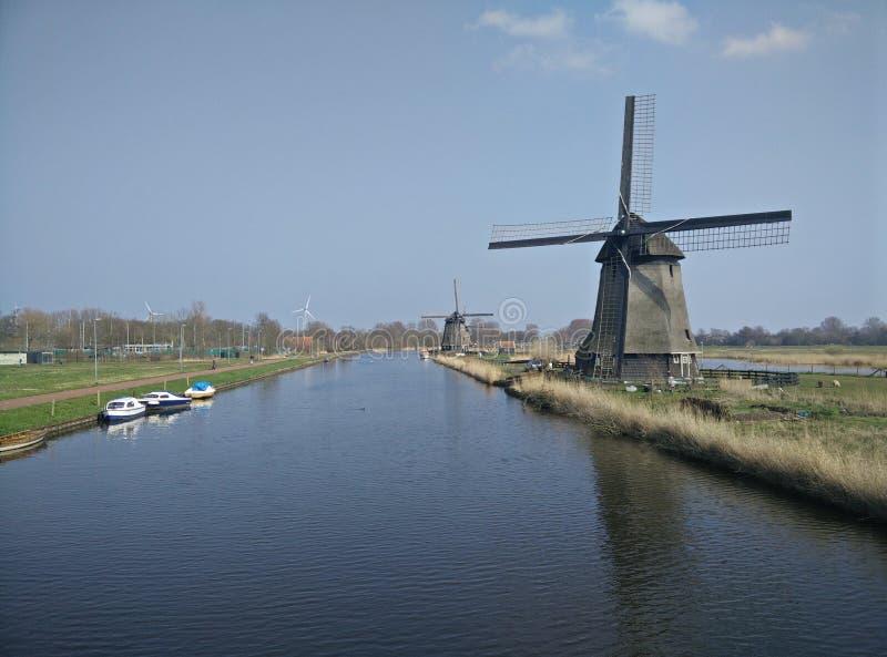 Windmolen in Alkmaar, Nederland stock foto