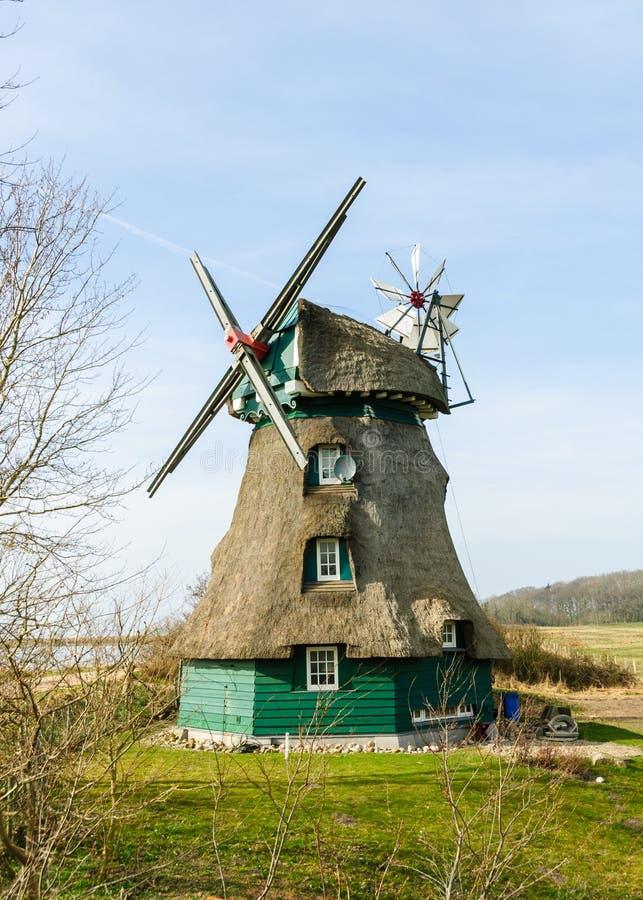 Windmolen Charlotte in Geltinger Noor stock fotografie