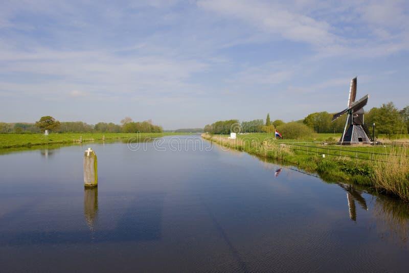 windmolen dichtbij Keppel, Gelderland, Nederland royalty-vrije stock foto's