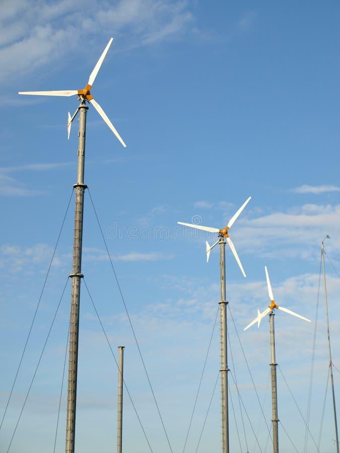 Windmolen en hemel stock afbeelding