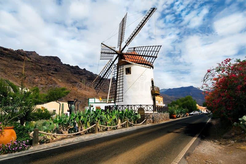 Windmolen Pueblo Mogan Gran Canaria royalty-vrije stock afbeelding