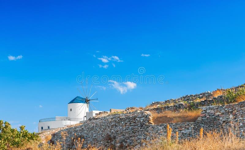 Windmolen in Sifnos stock fotografie