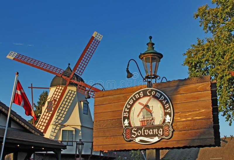 Windmolen in Solvang Brewing Company Californië royalty-vrije stock afbeelding