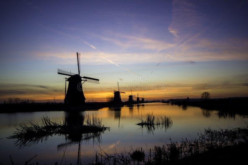 Windmolens Kinderdijk stock afbeeldingen