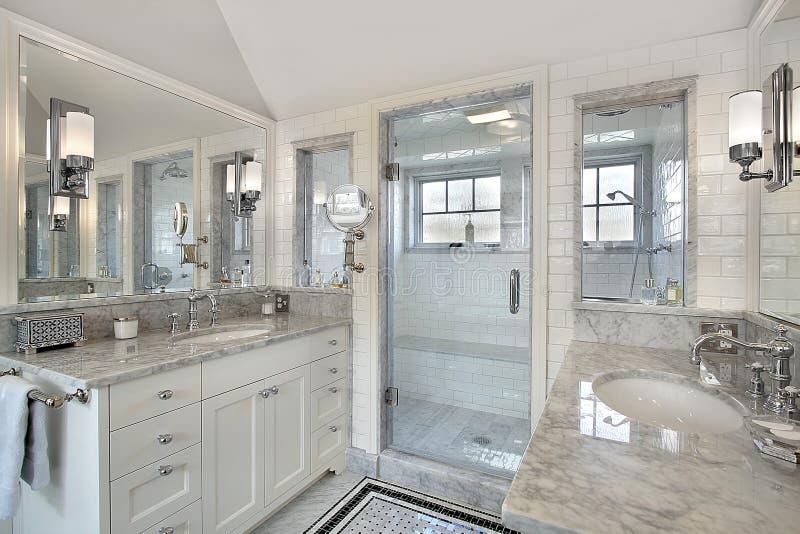 windowed ливень оригинала ванны стоковая фотография rf