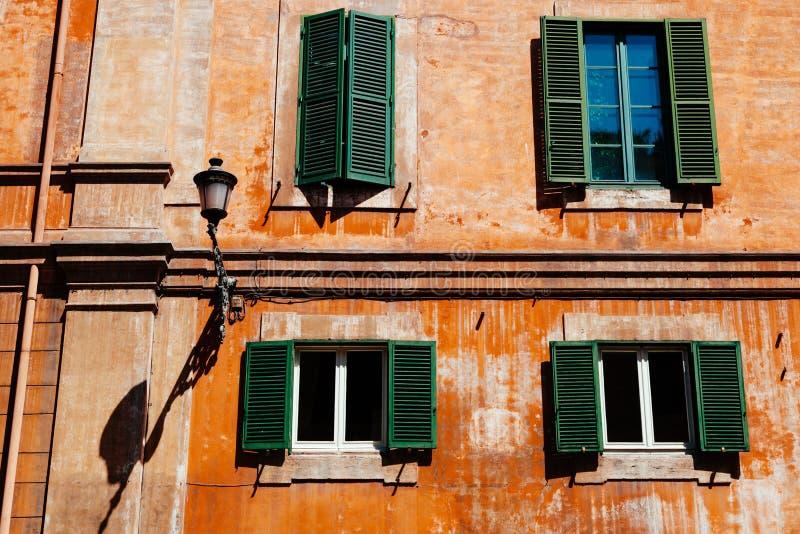 Windows à Rome photographie stock
