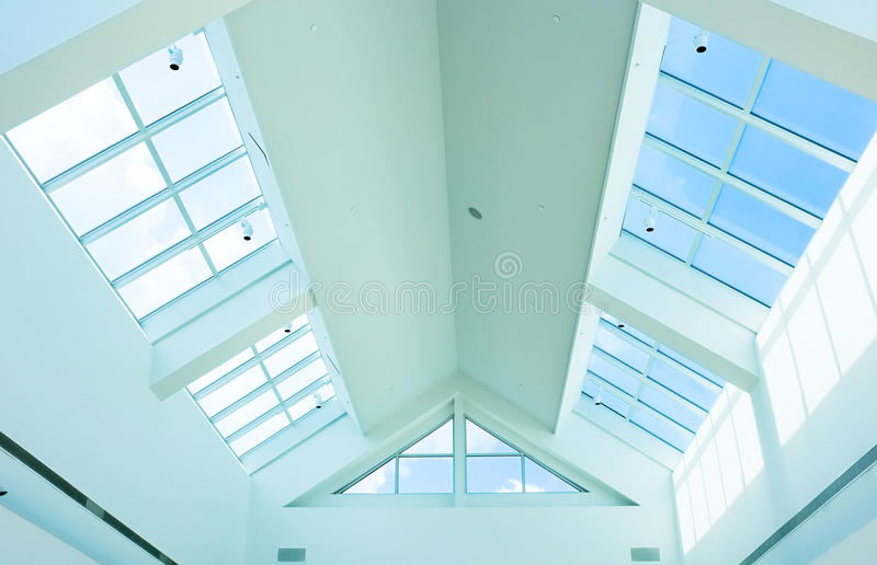 Windows στη στέγη στοκ εικόνα με δικαίωμα ελεύθερης χρήσης