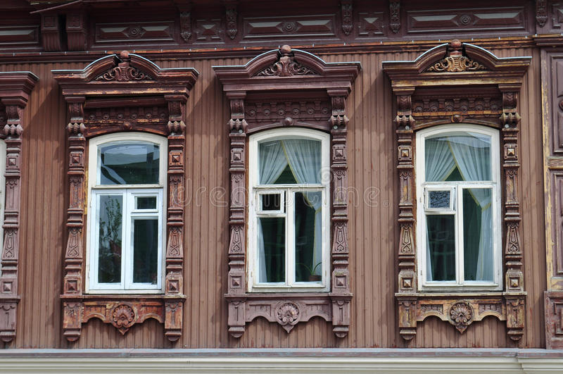 Download Windows архитектурноакустического и исторического памятника к Tyumen, Стоковое Изображение - изображение насчитывающей историческо, деревянно: 40589539