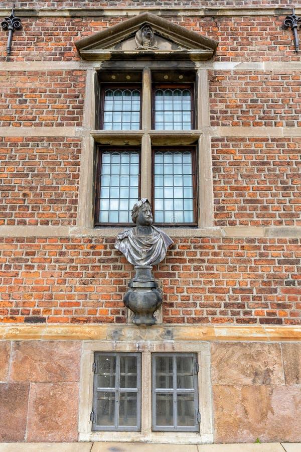 Windows и скульптура стоковое фото rf