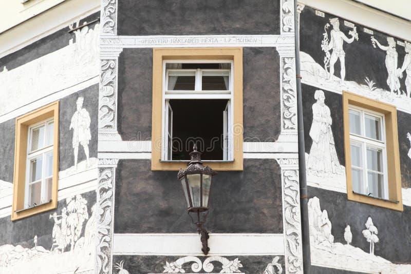 Windows с картиной на стене стоковое фото