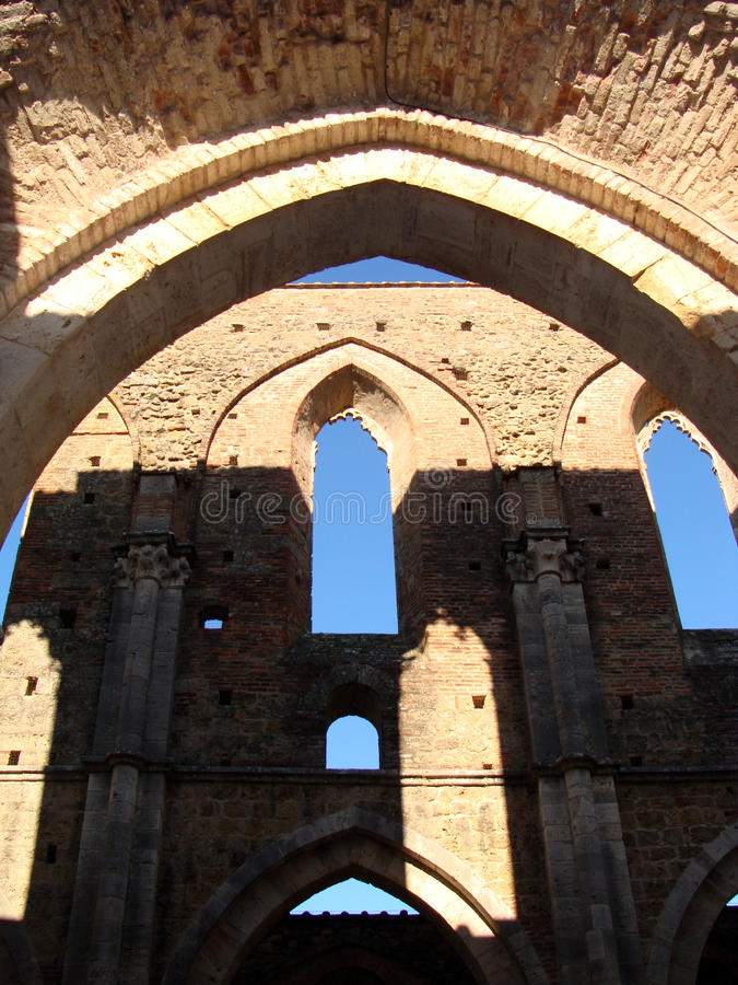 Download Windows stockfoto. Bild von architektur, europa, altar - 27728758