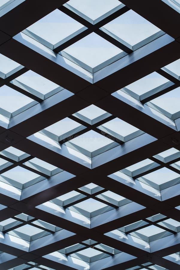 Download Windows Adentro Morden El Edificio De Oficinas Imagen de archivo - Imagen de modelo, indoor: 42437481