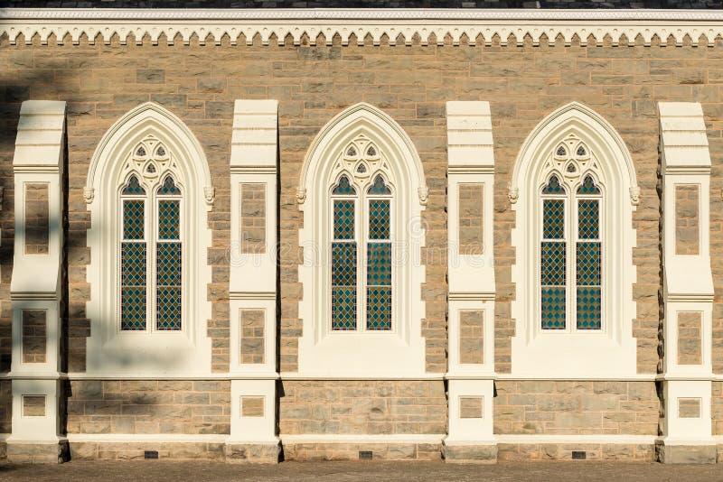 Windows av den holländare omdanade kyrkan i Graaff Reinet royaltyfri fotografi
