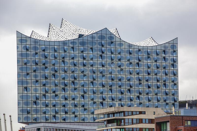Windows av Elbphilharmonien Hamburg, Tyskland royaltyfria bilder
