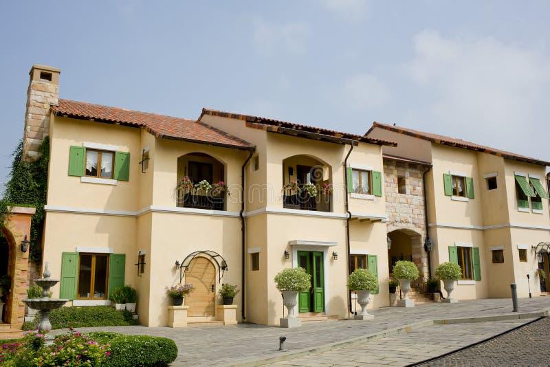 Windows, balcone nello stile della Toscana della Camera, Italia, Europa immagini stock libere da diritti