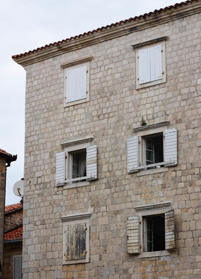 Windows in Cattaro, Montenegro fotografie stock