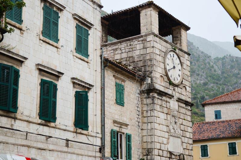 Windows in Cattaro, Montenegro immagini stock libere da diritti