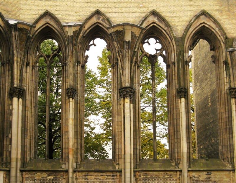 Windows da catedral gótico fotos de stock royalty free