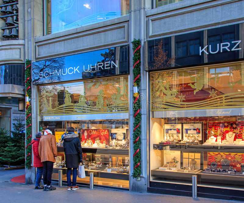 Windows da loja de Kurz na rua de Bahnhofstrasse em Zurique imagem de stock royalty free
