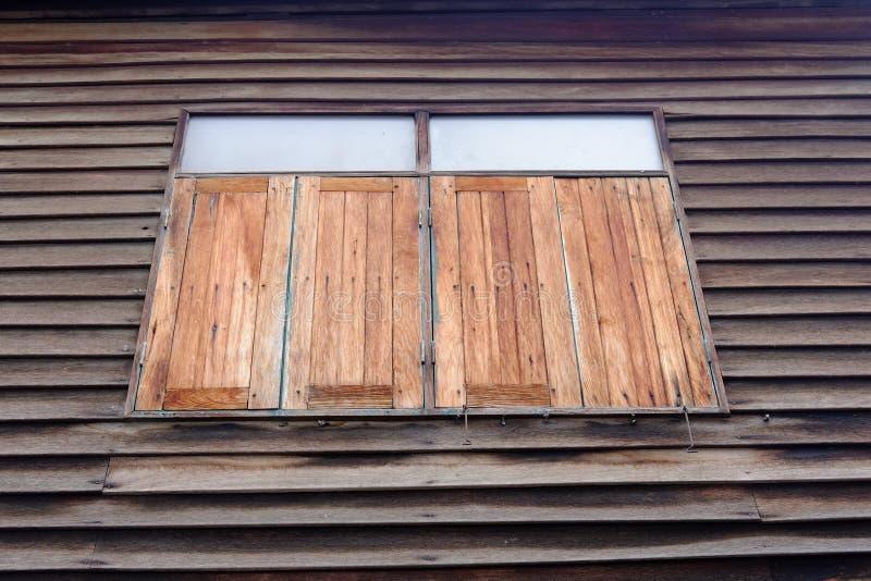 Windows de madeira em Tailândia fotografia de stock royalty free
