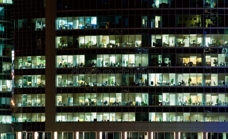 Windows de un edificio de oficinas foto de archivo libre de regalías