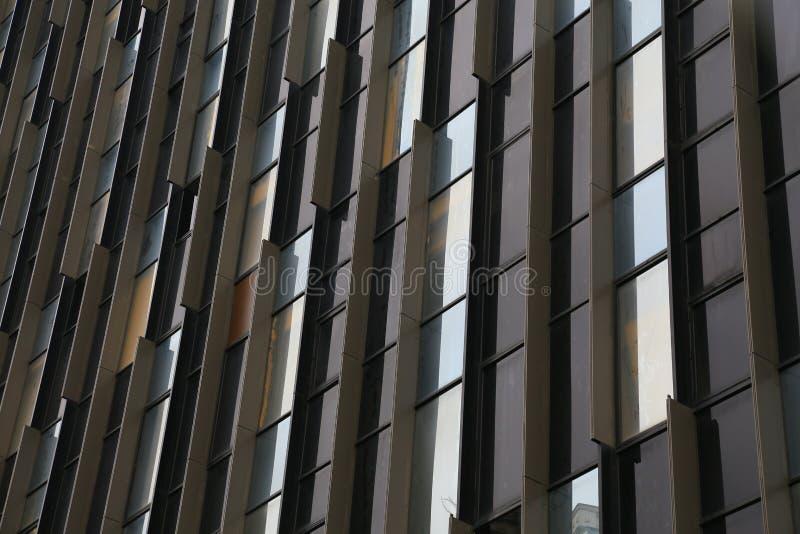 Windows de vidro na construção alta fotografia de stock royalty free