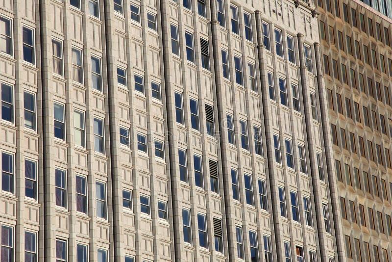 Windows degli edifici alti fotografie stock