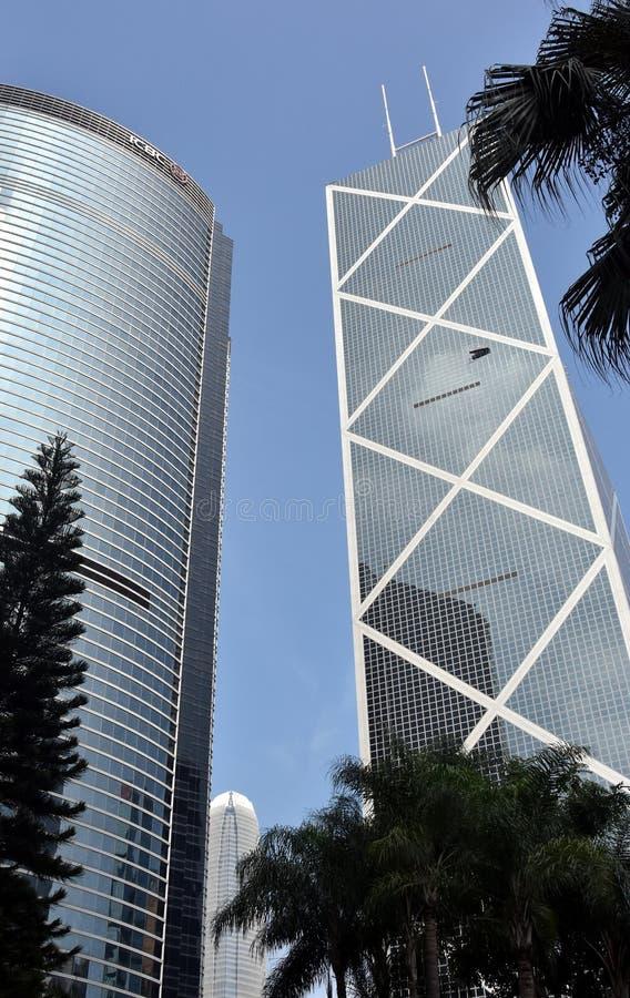 Windows della costruzione di affari in Hong Kong immagini stock