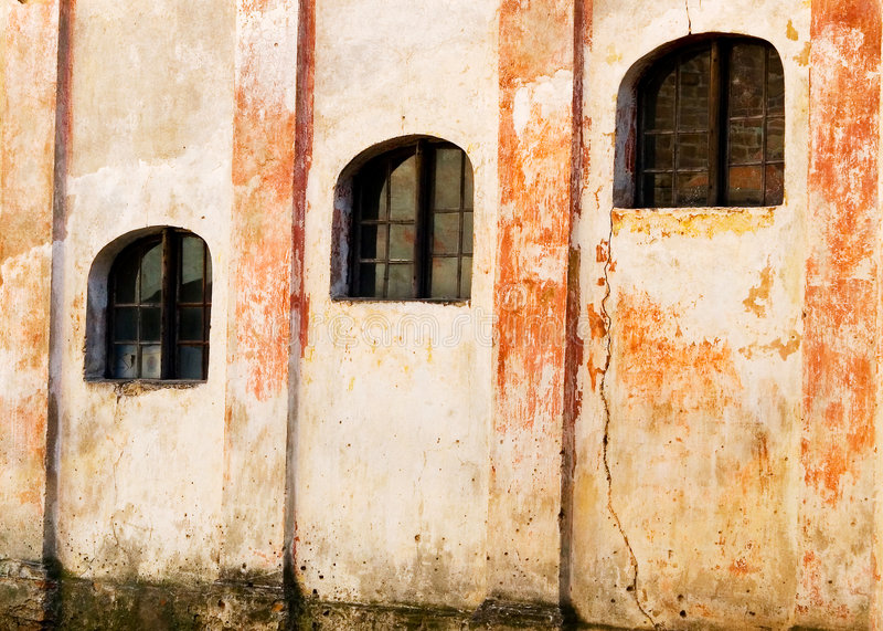 Windows des alten Gebäudes lizenzfreies stockfoto