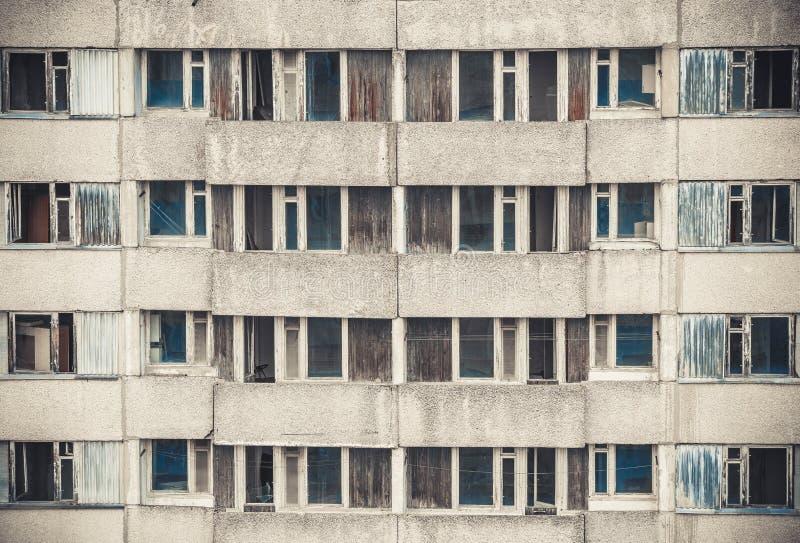 Windows di Pripyat Zona di alienazione di Cernobyl fotografie stock