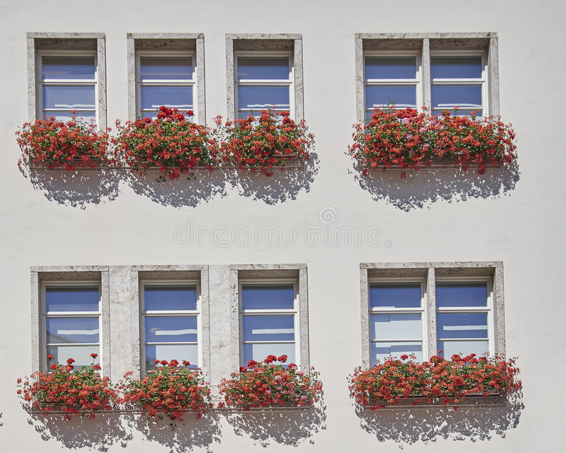 Windows di un edificio per uffici, Munchen, Germania fotografia stock libera da diritti